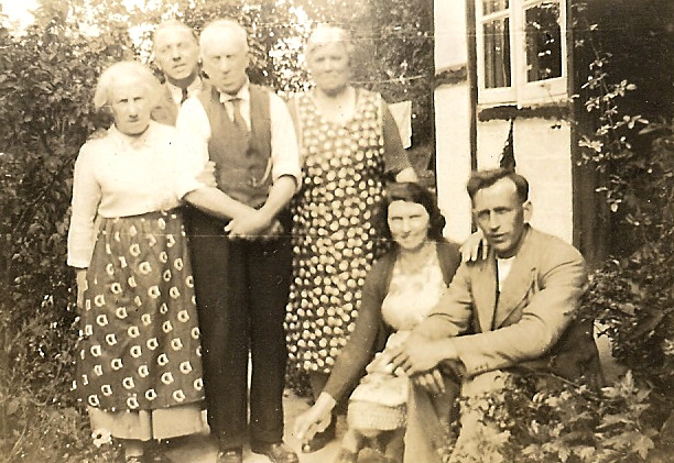 Alfrod Family at Twynings Cottage